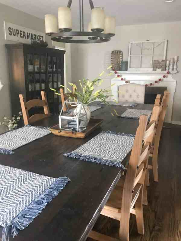 Farmhouse Dining Room Table Inspiration #fixerupper #tablescape #centerpiece