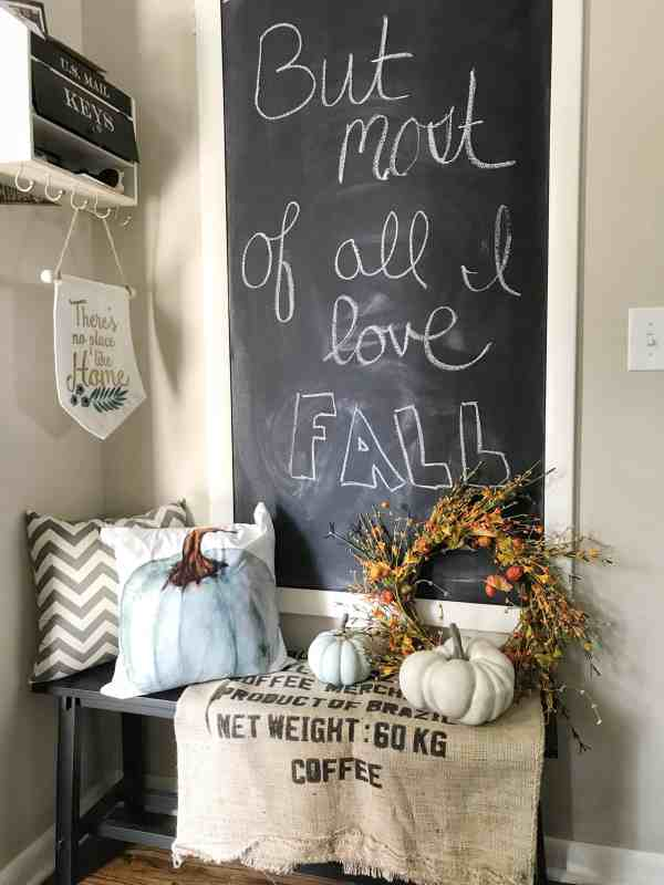 Fall Farmhouse Kitchen Inspiration #falldecor #chalkboardwall #farmhousekitchen
