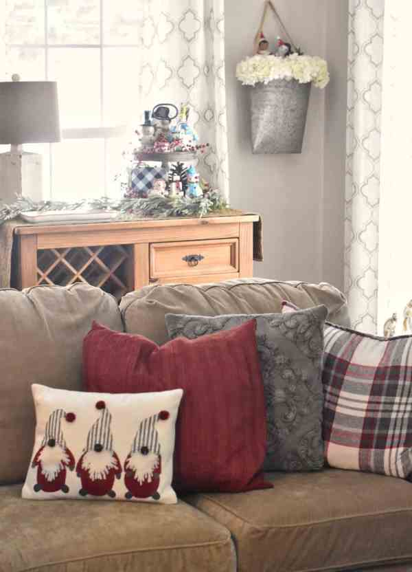 6 Style Tips for Christmas Decorating #rustic #farmhouse #cottage #inexpensive