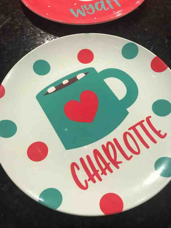Personalized Christmas Plates Discount Code #christmasplates #kids #personalizedgifts