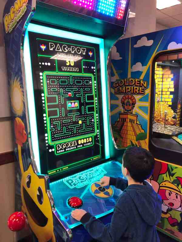 What to do at Chuck E. Cheese's Cleveland ohio