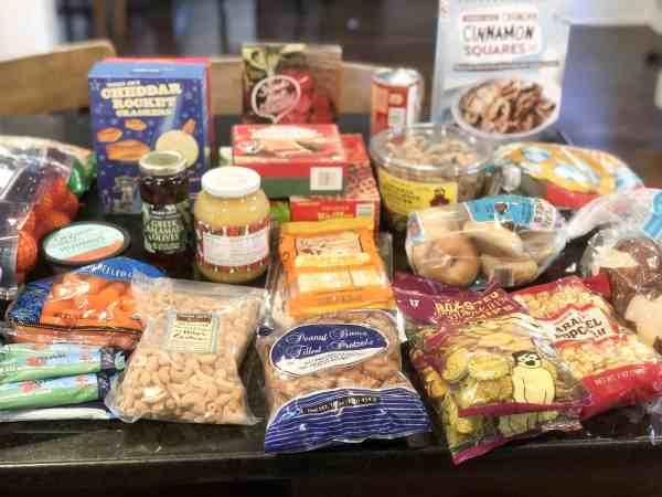 Best Trader Joe's Snacks for Kids #healthysnacks #family #shoppinglist