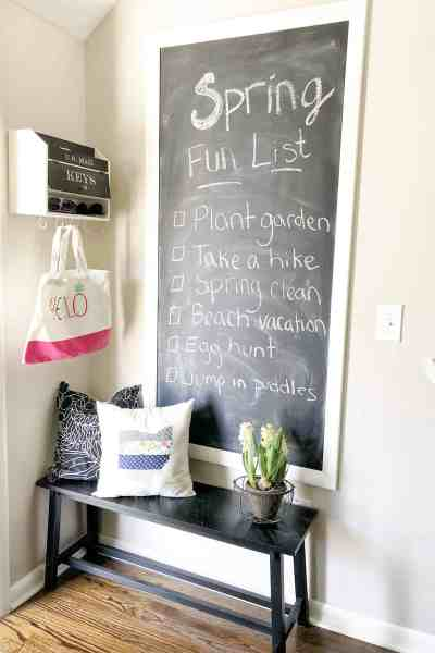 Spring kitchen decor ideas #chalkboard #farmhouse #rustic #shabbychic #chalkboardwall #fixerupper