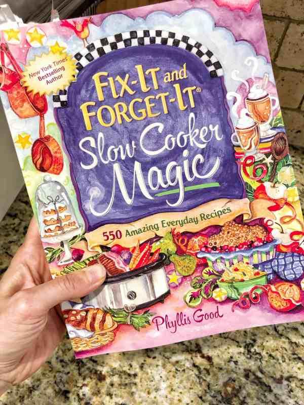 slow cooker coobkbook for family meals #healthyrecipes #crockpot #slowcooker #familydinners