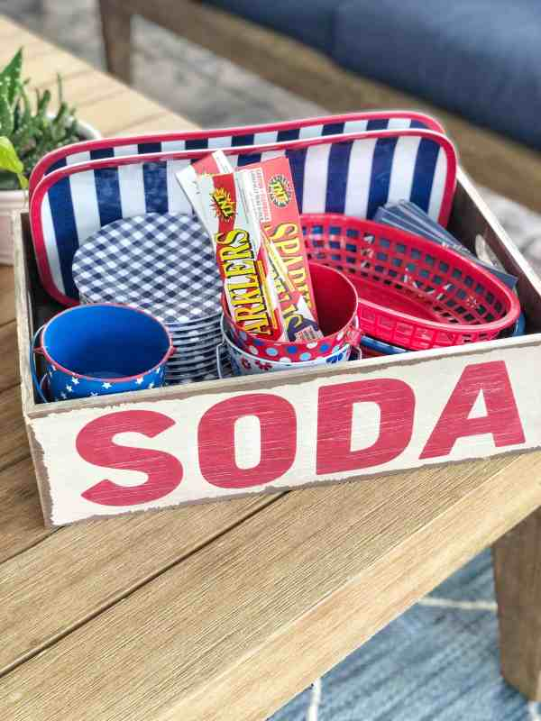 Red, White and Blue outdoor decor ideas #patio #4thofjuly #sodacrate