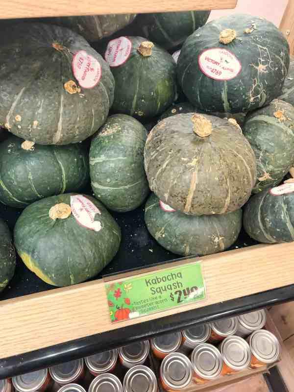 Fall Decor Ideas at Trader Joe's #pumpkins #gourds #falldecorating