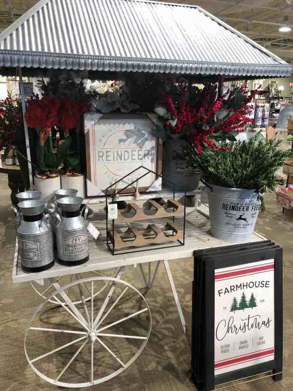 Christmas decoration 2019 #farmhouse #rustic #greenery