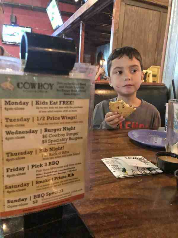 Where to eat in Chagrin Falls Ohio #sponsored