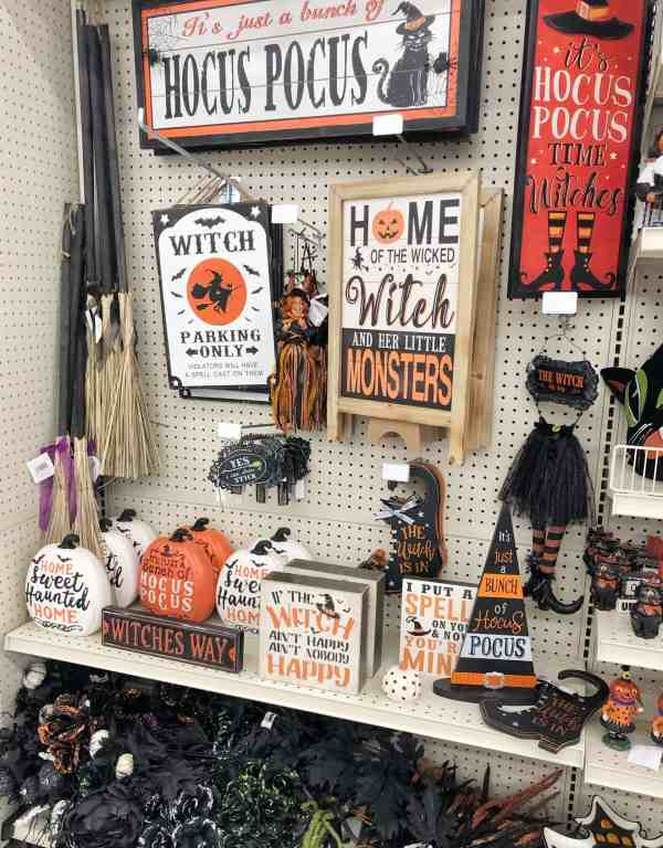 Halloween Signs at Michaels #fall2019 #halloweendecor