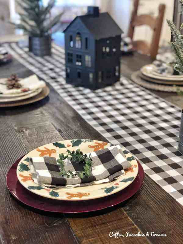 Buffalo Check Tablescape for Christmas #farmhouse #gingerbread #holiday
