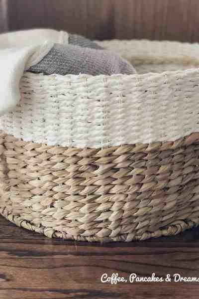 Use baskets to organize blankets #declutter #livingroom #farmhouse