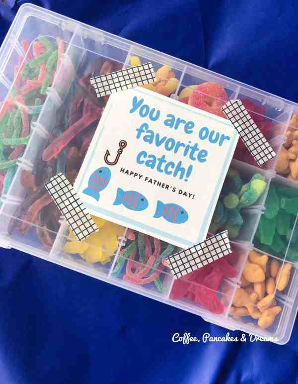 Father's Day DIY Candy Box Gift Idea with Printable Card #dads #fathersdaygifts #giftsfromkids