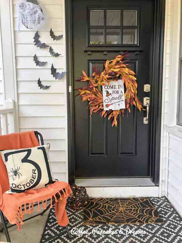 Halloween Decorations for the Front Porch