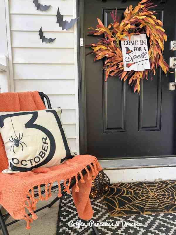 Halloween Farmhouse Decor
