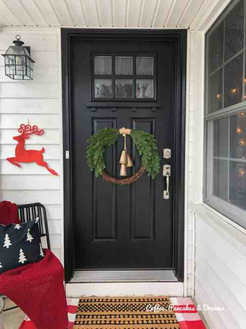 Farmhouse Christmas Front Porch Decorations #buffaloplaid #christmaswreath #diy #small