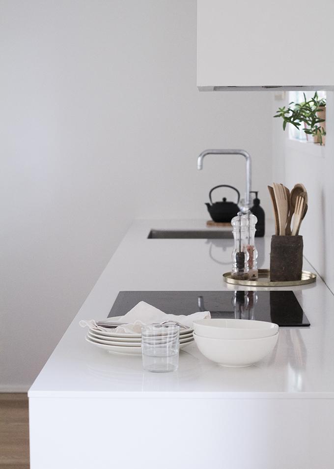 Kitchen Kvik Mano, walls Farrow & Ball Strong White