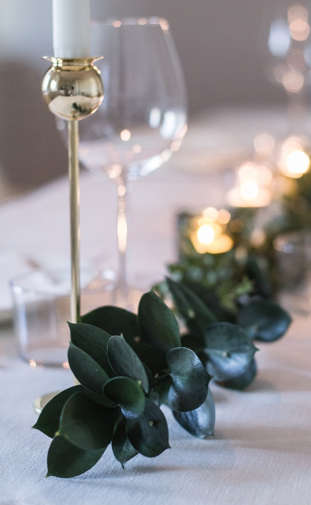 Talvinen juhlakattaus joulupöydän koristelu eukalyptus Skultuna Coffee Table Diary
