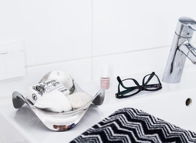 Kylpyhuone sisustus Coffee Table Diary