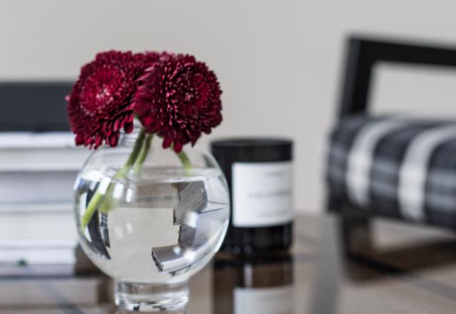 skruf-tokyo-vase-coffee-table-diary