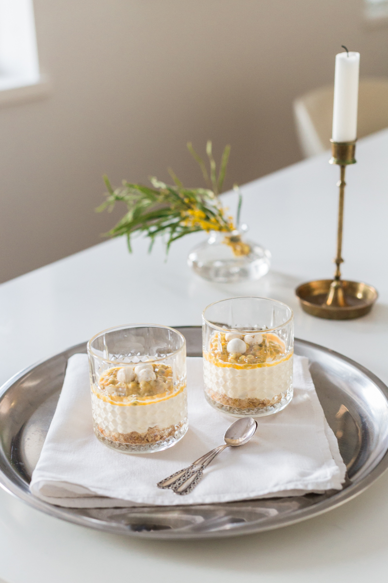Passionmoussekakku laseissa | Pääsiäisen raikas ja nopea jälkiruoka