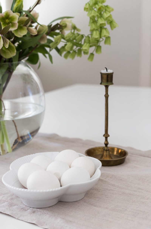 Pääsiäisen kukkakimppu, koristeet ja menu | Perinteistä raikkaasti poiketen
