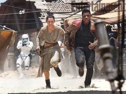 Rey and Finn on the run