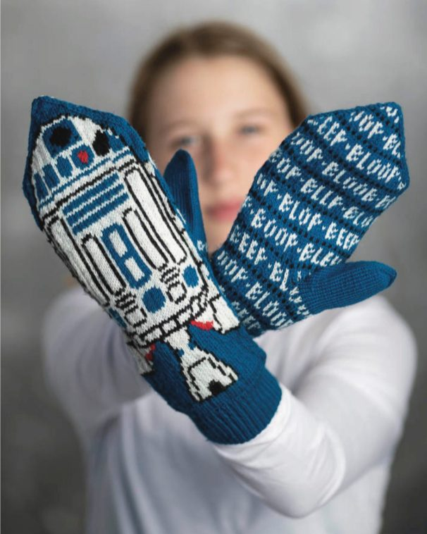 R2D2 Mittens_Star Wars Knitting the Galaxy
