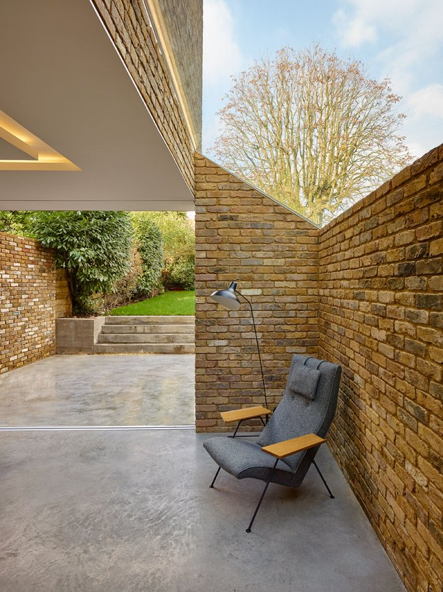 Coffey-Architects_Modern-Side-Extension_Post1_London
