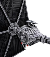 lego-set-ultimate-collector-series-tie-fighter-star-wars-03