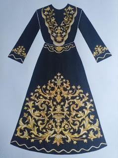 La Hermandad de la Soledad de Arcos de la Frontera muestra el diseño de la nueva saya de Nuestra Señora de la Soledad
