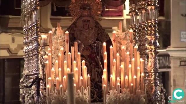 María Santísima de la Victoria por la Plaza de la Catedral. Semana Santa Cádiz 2019