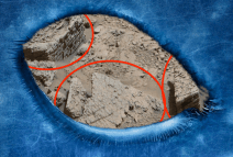 Ancient walls, and a monolith discovered on Mars. Original article by Alessandro Brizzi.