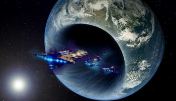 Extraterrestrial spaceships, exploit the Black Hole at the center of the Earth as an energy source