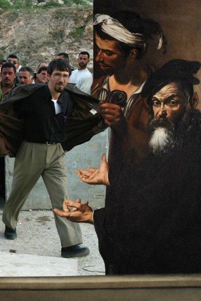 Artwork: Ecce Homo (c. 1605) by Michelangelo Merisi Caravaggio, depicting Pontius Pilate present Jesus before a hostile crowd. Photo: Palestinians crossing the Qalandiya checkpoint on their way to Jerusalem. 20 April, 2002, by Alexandra Boulat.