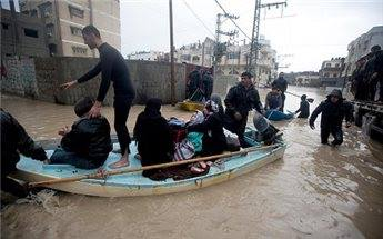 Hundreds of Palestinians were evacuated from their homes Sunday morning after Israeli authorities opened a number of dams near the border, flooding the Gaza Valley  Photo by ISM