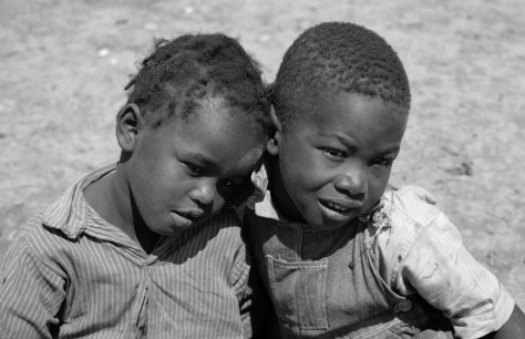 Sharecropper boys in 1936 (Carly Mydans/Library of Congress)