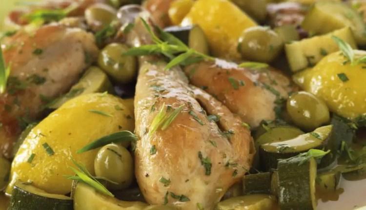 Sauté de poulet au citron, olives et à l'estragon