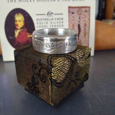 1988-Australian-Holey-Dollar-coin-ring-box