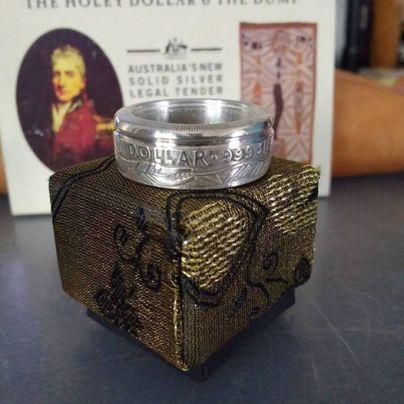 1988-Australian-Holey-Dollar-coin-ring-box