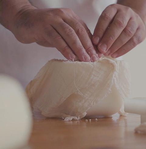 Elaboración Queso Mahón-Menorca D.O. Coinga - ¿Cómo es el queso de Mahón?