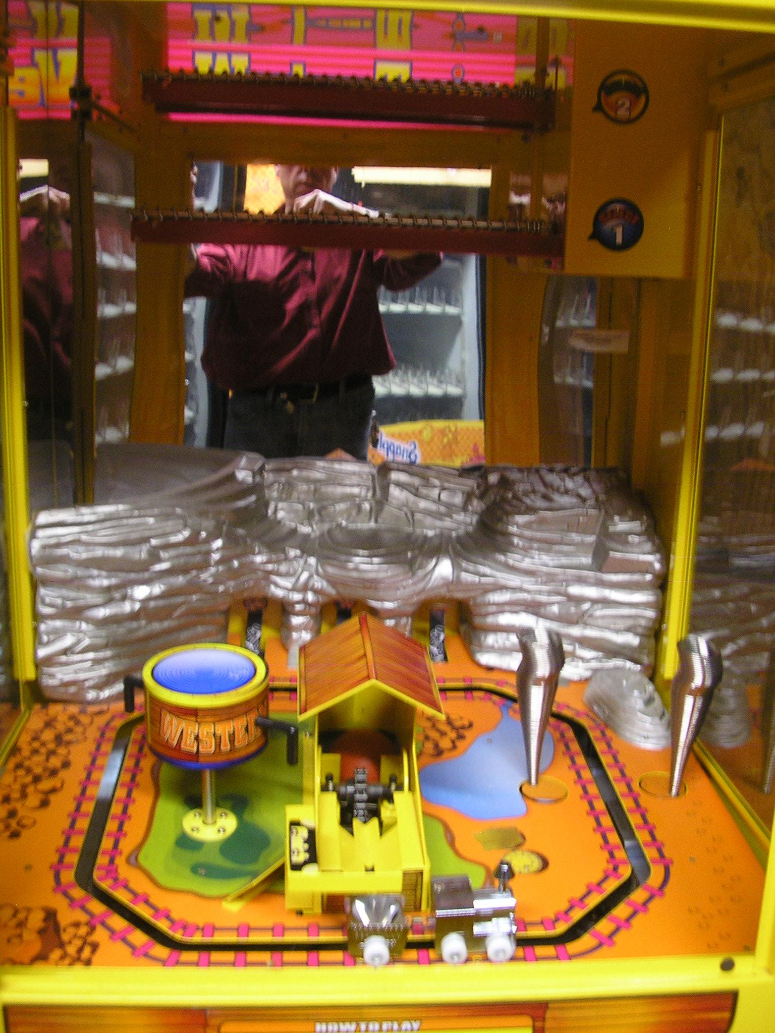 Western Train Candy Crane Arcade Machine Game For Sale