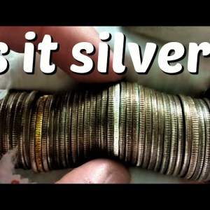 MYSTERIOUS COIN FOUND INSIDE ROLL OF QUARTERS! COIN ROLL HUNTING QUARTERS
