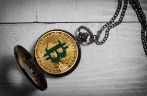 older bitcoins being spent as price climbs on chain data shows glassnode