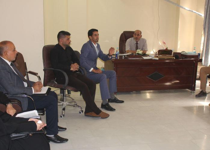 قسم الفقه واصوله يعقد اجتماعا مع الكادر التدريسي (1)