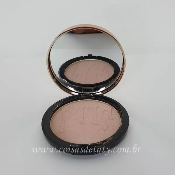 Pressed Illuminating Powder Poudre Illuminatrice Strwberry