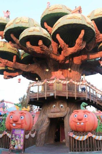 Árvore Mágica da área da Vila Sésamo no PortAventura