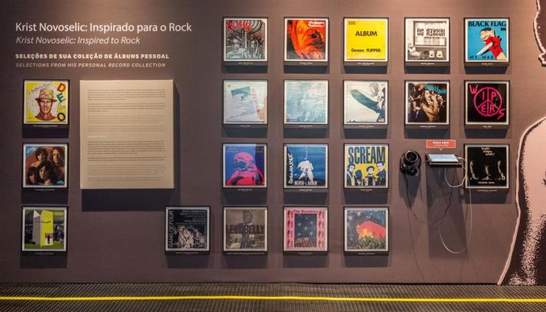 Mural com 20 discos da coleção pessoal de Krist Novoselic que mais o inspiraram