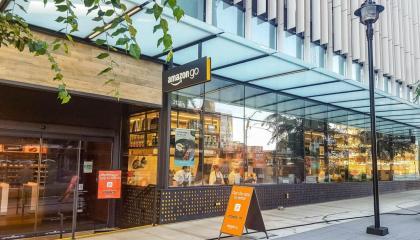 Amazon Go: fachada de uma das lojas autônomas da Amazon em Seattle