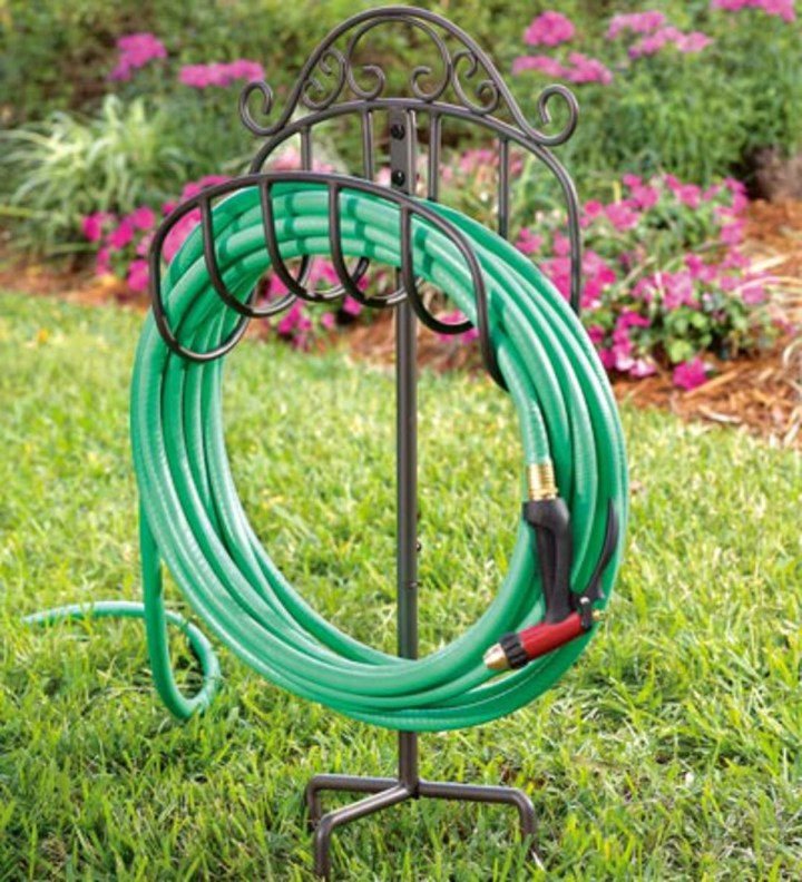 Durable Hose Butler with Decoration