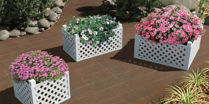 Lattice Planter Box for a Corner Space